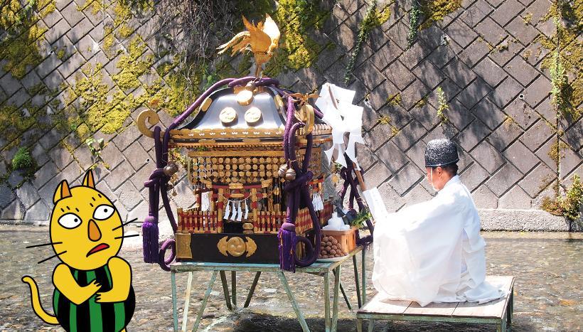 写真:「神流川のお川瀬下げ神事」 群馬県・乃久里神社(8月第1日曜日)