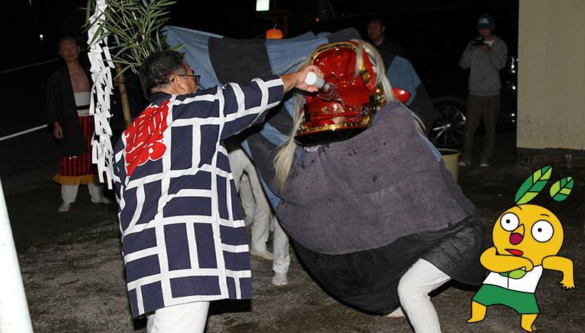写真:「白子神社例祭 獅子舞」山形県西置賜郡小国町・白子神社(5月3日・9月第2日曜日)