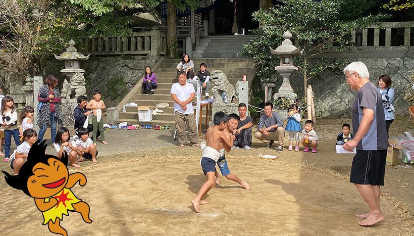 写真: 「呼子八幡神社おくんち」佐賀県唐津市呼子町・八幡神社(10月第3日曜日)